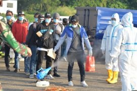 135 orang WNI dari luar negeri dibawa ke Rumah Sakit Darurat Wisma Atlet