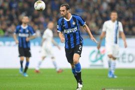Tepis kabar ingin hengkang, bek veteran Diego Godin tegaskan bahagia di Inter