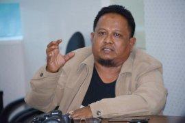 Pemkot Padang bantah wali kota Mahyeldi  positif COVID-19