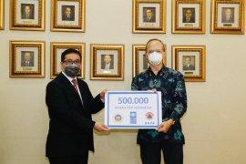 Pemerintah  Indonesia terima 500 ribu masker dari UNDP