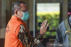 Penahanan Mantan Sekretaris MA Nurhadi dan menantunya  diperpanjang