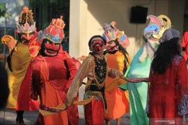 Indramayu perbolehkan seniman kembali gelar pertunjukan