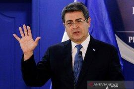 Presiden Honduras kena COVID-19 terpaksa diberi oksigen