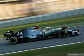 Lewis Hamilton nantikan mobil balap Mercedes yang lebih kencang