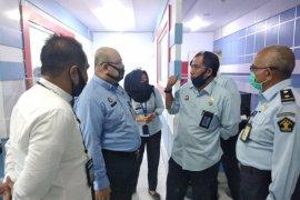 Kantor Imigrasi Sanggau terima puluhan permohonan pelayanan paspor