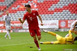 Lewandowski ukir rekor baru saat Bayern Muenchen tundukkan Freiburg