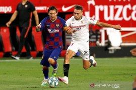 Main imbang kontra Sevilla, Barcelona terancam digusur Real Madrid