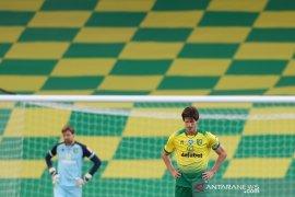Norwich tempati dasar klasemen setelah dikalahkan Southampton 0-3