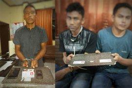 Polisi tangkap tiga pengedar narkoba, seorang residivis