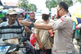 Video - Anggota DPRD Kalsel Athaillah Hasbi bagikan masker dan edukasi cegah COVID-19