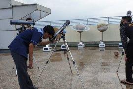 Di masa pandemi COVID-19, OIF UMSU 'live streaming' gerhana matahari