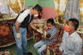 Bayi tanpa anus dibawa ke RSUP Adam Malik, biaya ditanggung Pemkab Simalungun