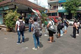 12 migran tiba di Tabanan setelah karantina di hotel