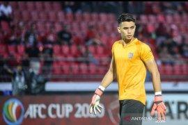 Kiper Bali United Nadeo Argawinata dapat panggilan timnas senior