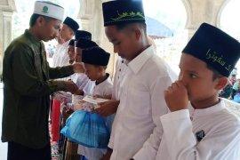 54 anak yatim piatu di Aceh Timur disantuni