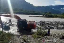 Longsor, jalan penghubung Aceh Timur - Gayo Lues masih lumpuh