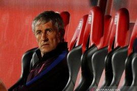 Barcelona resmi pecat pelatih Setien