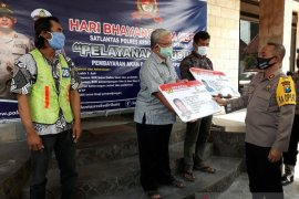 Peringati Hari Bhayangkara, Polresta Kediri berikan SIM gratis