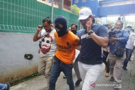 Pra-rekonstruksi pembunuhan dua bocah di Global Prima Medan