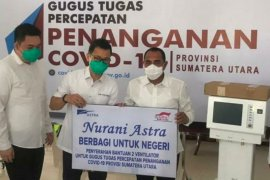 Setelah mendonasikan 10.000 paket sembako, Astra Financial dan Grup Astra Medan serahkan dua ventilator untuk Sumut