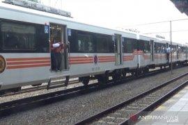 INKA  lakukan uji coba lokomotif dan kereta penumpang pesanan Filipina