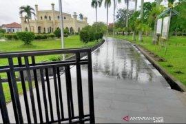 Hari pertama dibuka, Istana Siak dikunjungi 140 wisatawan