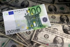 Dolar jatuh ketika euro menguat saat UE negosiasi penyelamatan resesi