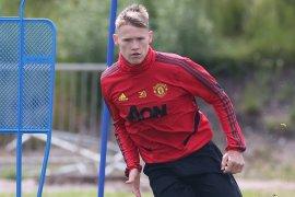 McTominay tanda tangani kontrak baru dengan Manchester United