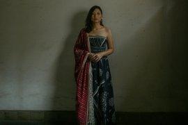 """Video musik """"Batas"""" tampilkan Danilla Riyadi bersama ular"""
