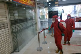 Seorang pedagang positif, Pasar Becek Pondok Labu ditutup sementara