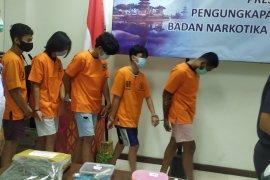 Di Bali, BNN-Bea Cukai tangkap lima mahasiswa pengguna ganja