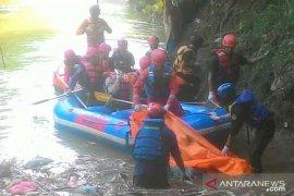 Ricky, bocah yang hilang ditemukan dalam kondisi tewas di Sungai Cikeas Bogor