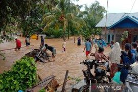 Sungai meluap rendam rumah warga Punjung Bengkulu Tengah