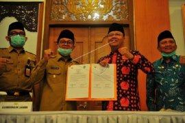 Gubernur Jambi dan Bengkulu teken MoU percepatan pembangunan jalan baru