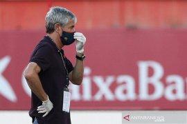 Pelatih bantah suasana ruang ganti Barcelona buruk