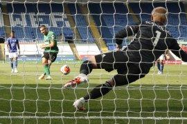 Rodgers sanjung tinggi-tinggi Kasper Schmeichel karena berhasil patahkan penalti