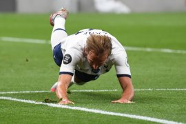 Harry Kane tak masalahkan gaya main Mourinho  di Spurs