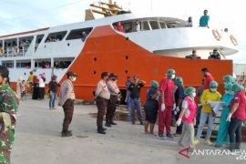 Pemkab Teluk Wondama mulai longgarkan akses transportasi