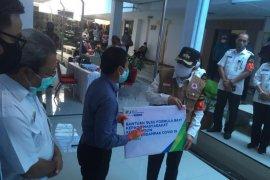 BPJS Ketenagakerjaan Cabang Maluku salurkan bantuan susu formula bayi di Ambon