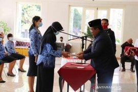 13 bidan PTT di Buleleng jadi PNS