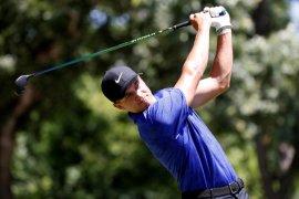 Positif COVID-19, pegolf Cameron Champ mundur dari PGA Tour