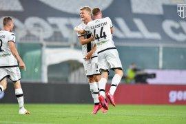 Tiga gol Cornelius warnai kemenangan 4-1 Parma atas Genoa