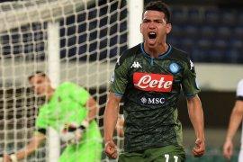Napoli ke peringkat lima setelah taklukkan Genoa 2-1
