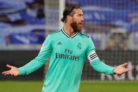 Zidane ingin Sergio Ramos pensiun  di Real Madrid