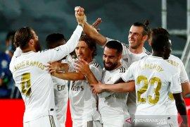 Real Madrid dan Barcelona terus bersaing ketat klasemen Liga Spanyol