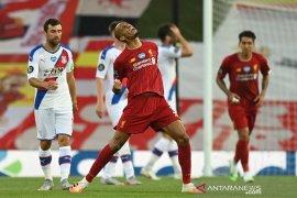 Liverpool di ambang juara usai cukur Crystal Palace 4-0