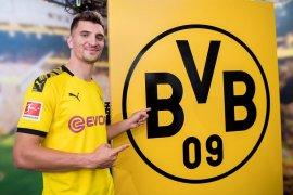 Dortmund resmi gaet Thomas Meunier dari PSG