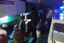 Polisi Indramayu evakuasi 17 ABK korban kapal tenggelam