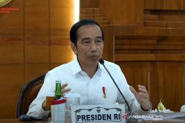 Presiden Jokowi beri waktu dua Minggu pengendalian COVID-19 di Jatim