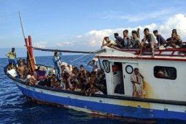Pengungsi Rohingya Terdampar di Perairan Aceh Utara Page 2 Small